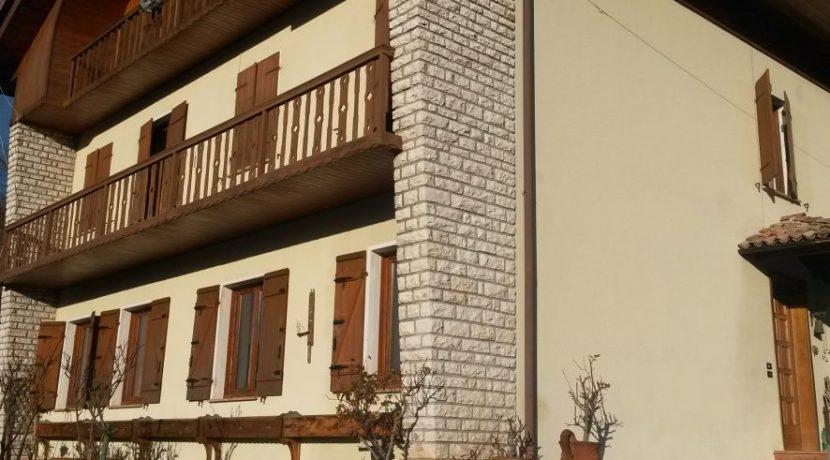 Casa-singola-Arsiè-1-886x670